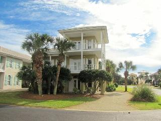 Palm Palace*4BR/3BA*Walk to the Beach*Sleeps 12! - Destin vacation rentals