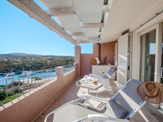 Attico fronte mare nuovissima costruzione - Santa Teresa di Gallura vacation rentals