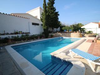 Villa 8p. L'Ampolla, pool, sea 50m, air condition, Wifi - L'Ampolla vacation rentals