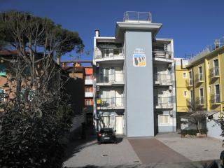 Adorable 1 bedroom Condo in Caorle with Internet Access - Caorle vacation rentals