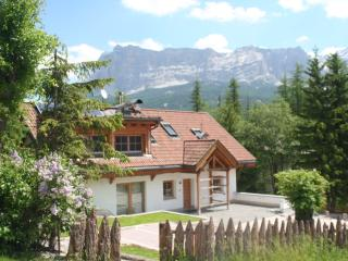 Perfect 4 bedroom Chalet in La Villa with Deck - La Villa vacation rentals