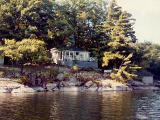 Charleston Lake - Websters Bay - Lansdowne vacation rentals