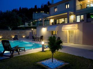 SUPER OFFER- Don't miss it! Villa Amphitrite Suite - Lygia vacation rentals