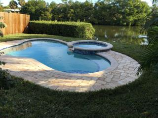 POOL,SPA Home 1 Block to the Gulf on Spring Lake. - Holmes Beach vacation rentals
