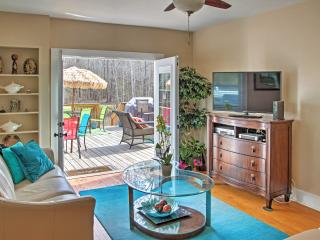 Brand New Listing! Sensational 4BR Savannah Area House w/Wifi, & Large Private Deck - Close to Restaurants, Golf Courses, Shopping & Abundant Culture at the World Famous River Street! - Midway vacation rentals