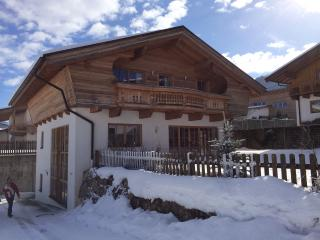 Beautiful 5 bedroom Niederau House with Internet Access - Niederau vacation rentals