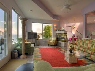 Amykonos Middle Suite - Kelowna vacation rentals
