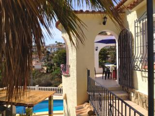 Bright 4 bedroom Benissa House with Internet Access - Benissa vacation rentals