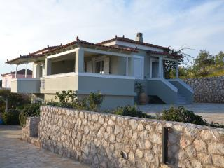 Comfortable 4 bedroom Port Heli House with Short Breaks Allowed - Port Heli vacation rentals