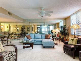 Gulf and Bay Club 108D, 2 Bedroom, Beach Front, Ground Floor, Sleeps 4 - Siesta Key vacation rentals