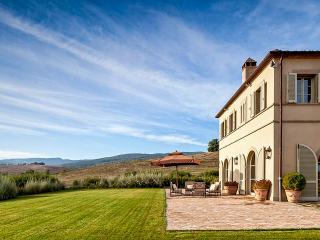 Villa Casa del Fiume, Sleeps 8 - Montalcino vacation rentals
