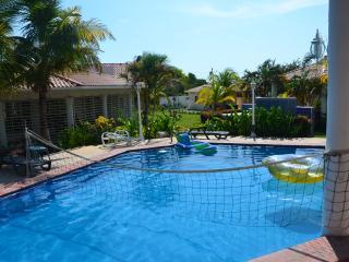 Villa Lulu 300m to beach and 1km to Golfing - Coronado vacation rentals