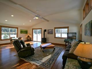 #14 -Maple Falls Cabin near Mt. Baker! - Maple Falls vacation rentals