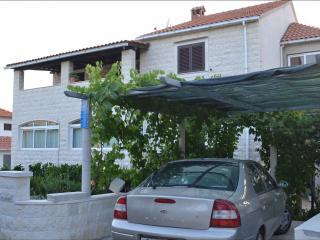 Nice Condo with Television and Satellite Or Cable TV - Supetar vacation rentals