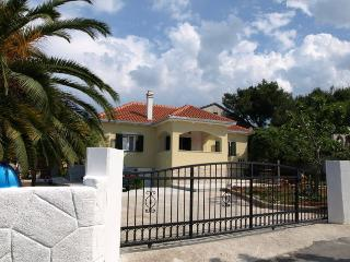 3833  A2(2+2) - Supetar - Supetar vacation rentals
