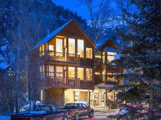 Your winter wonderland - Cozy condo with private deck - Powder Daze at Cornet Creek - Telluride vacation rentals