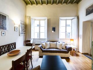 SPRING 20%OFF: apart. for 6, by the Duomo - Florence vacation rentals