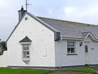 Seaside Cottage, Rosslare, Beach & Golf on site - Rosslare vacation rentals