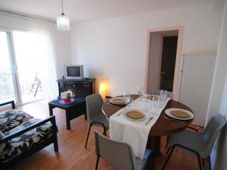 Cozy 2 bedroom Apartment in Calella - Calella vacation rentals