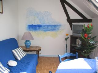 Romantic 1 bedroom Condo in Etretat - Etretat vacation rentals