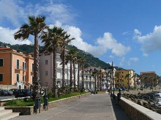 Monolocale sul mare a Castellabate - Santa Maria di Castellabate vacation rentals