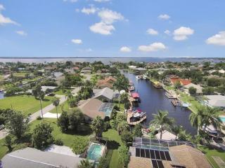 Luxury Villa 3 bd. on SW Canal  2min from River - Fort Myers vacation rentals