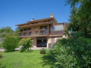 Nice Villa with Deck and Internet Access - Riva di Solto vacation rentals