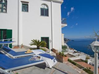 Beautiful House with Internet Access and Dishwasher - Praiano vacation rentals