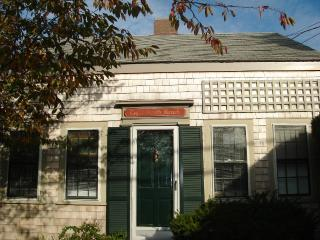 3 Bedroom 1 Bathroom Vacation Rental in Nantucket that sleeps 6 -(3694) - Nantucket vacation rentals