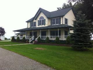 7 bedroom House with Deck in Winona - Winona vacation rentals