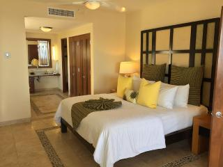 Beautiful 2 Bedroom Condo - Cabo San Lucas vacation rentals