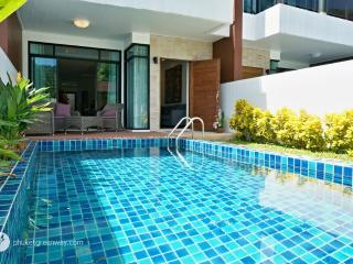 Lovely pool townhouse with a mountain view - Phuket vacation rentals