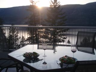 Spend your summer vacation in this lovely home. - Kelowna vacation rentals