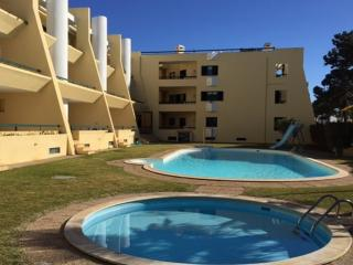 2 ch - 4 pers Appart Quarteira 2 - Vilamoura vacation rentals