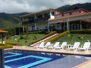 Nice Farmhouse Barn with Long Term Rentals Allowed (over 1 Month) and Television - Calima vacation rentals