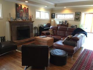 Lovely Updated and Comfortable 3 Bedroom 2 Bath - Menlo Park vacation rentals
