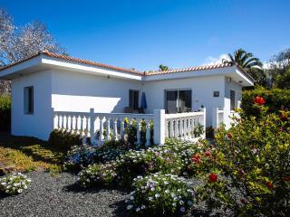 Los Guanches bungalows,double bedroom,great views. - El Paso vacation rentals