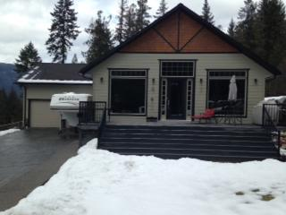 Beautiful 5 bedroom House in Sicamous with Internet Access - Sicamous vacation rentals