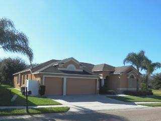 Viburnum Villa 5 bed poolhome Legacy Park, 15 mins to Disney - Davenport vacation rentals