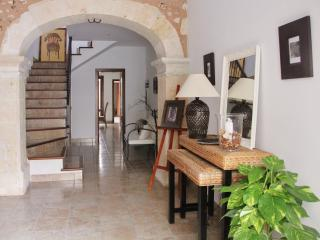Townhouse Can Miquel with wifi and aircon - Sa Pobla vacation rentals