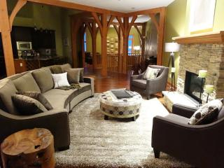Luxury Duplex Chalet  Ski in/Ski out  Private Hot - Silver Star Mountain vacation rentals