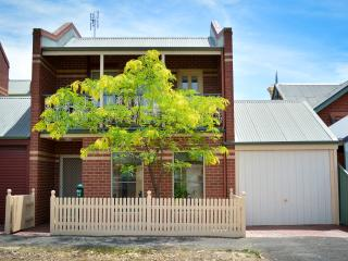 Turner Terrace Central Bendigo - Bendigo vacation rentals