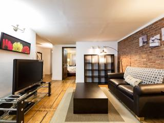 **3BR Duplex with private Backyard  Time Square ** - New York City vacation rentals