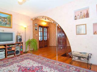 Bright 4 bedroom Brest Condo with Internet Access - Brest vacation rentals