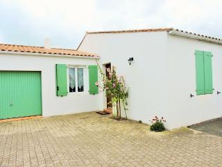 Cozy 3 bedroom House in Le Bois-Plage-en-Re - Le Bois-Plage-en-Re vacation rentals