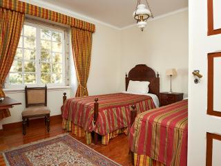 Twin Room Quinta de Santa Maria Casa Nostra - Colares vacation rentals