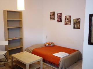 Nice Studio with Internet Access and Balcony - Arta vacation rentals