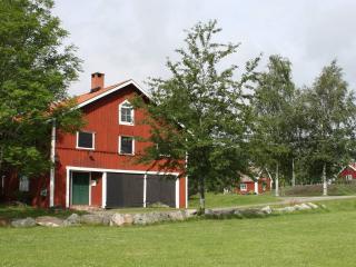 Lantligt boende med hög standard, 45 min fr Sthlm - Södertälje vacation rentals