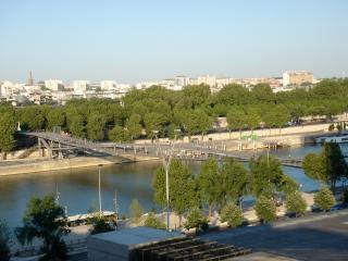 Sensational apartment by the Seine with a deck. - Paris vacation rentals