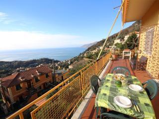 SERENA 1BR-big terrace&bay view by KlabHouse - Ruta vacation rentals